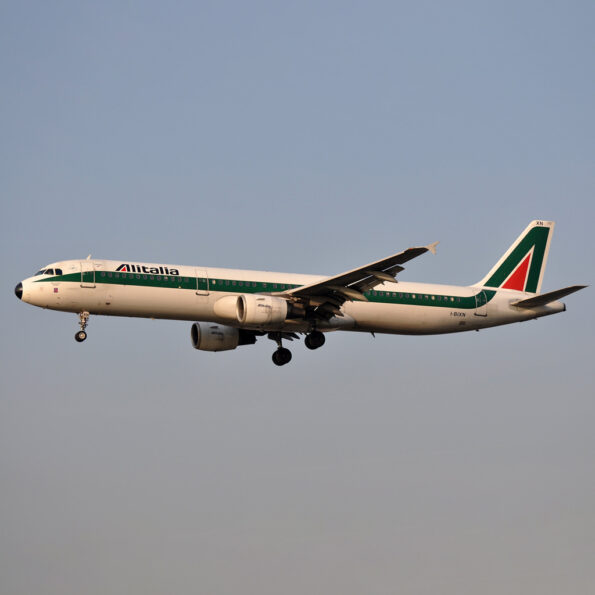 Alitalia A321 I-BIXN Aviationtag Edition